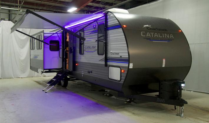 Coachmen Catalina Legacy 333RETS Slide out trailer